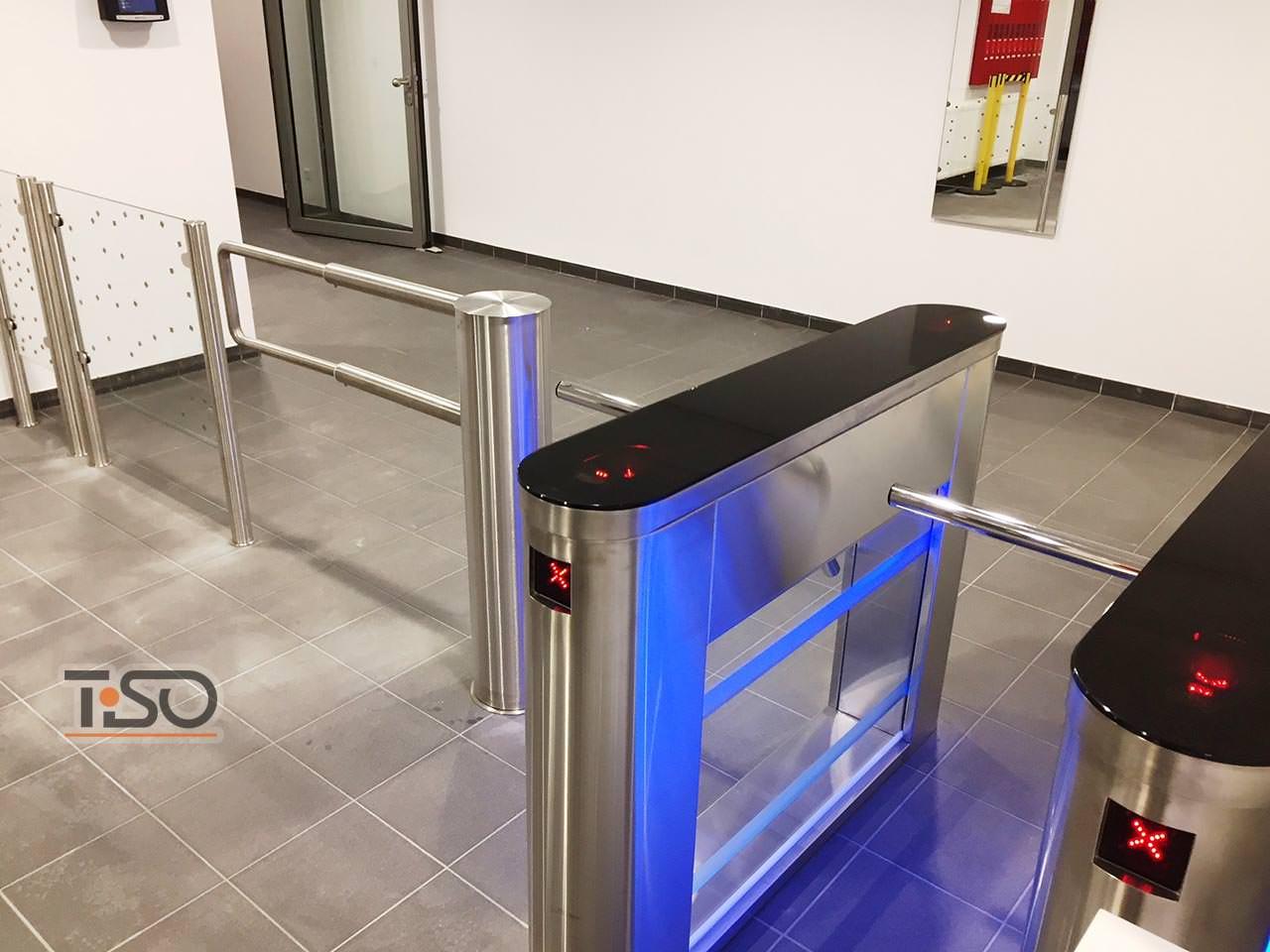 Galaxy ، Gate-TTS والهيكل الزجاجي الثابت ، مكتب DHL ، فلورستادت ، ألمانيا