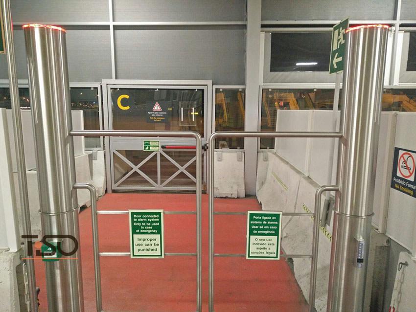 Gate-TSH, Aéroport Humberto Delgado, Lisbonne, Portugal