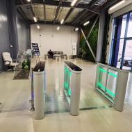 Barredora y cerramiento de vidrio, empresa de gestión de eventos, Riad, KSA