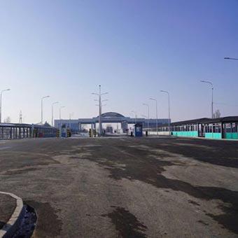 Puesto de control fronterizo entre Kazajstán y Kirguistán